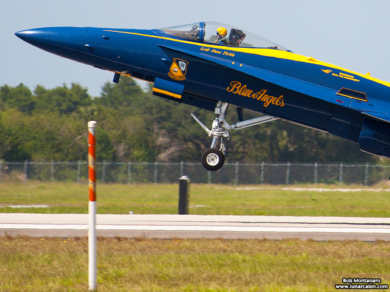 blue_angels_140509_E1